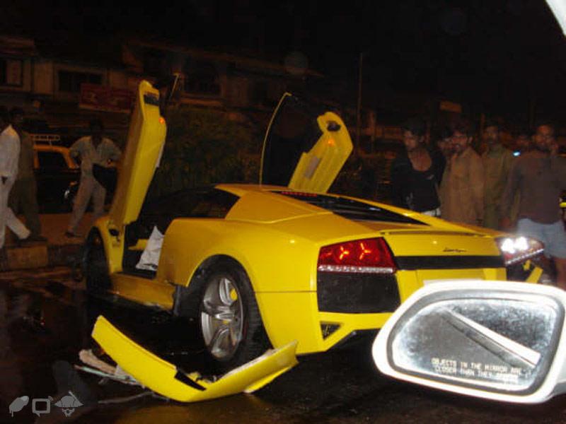 India S Most Expensive Car Crash A Lambo Lp 640