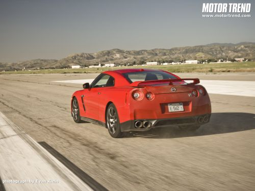 nissan-gt-r-red-6