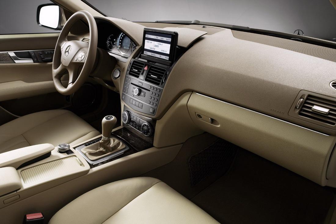 mercedes-benz-c-class-dashboard