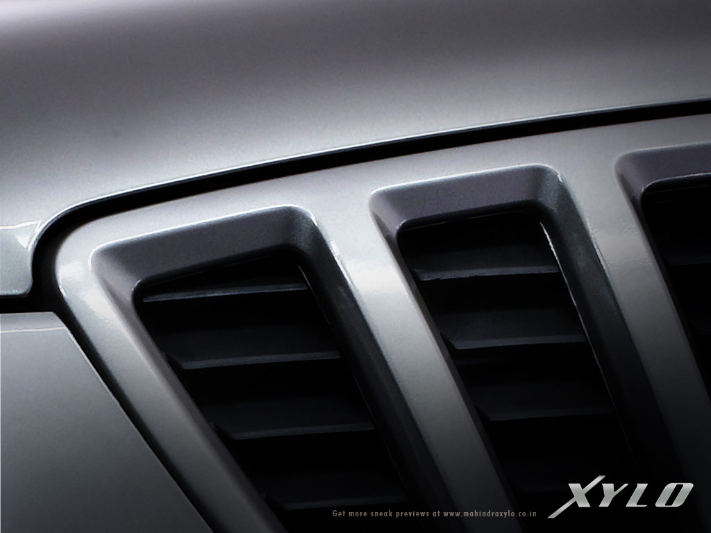Mahindra Xylo grille