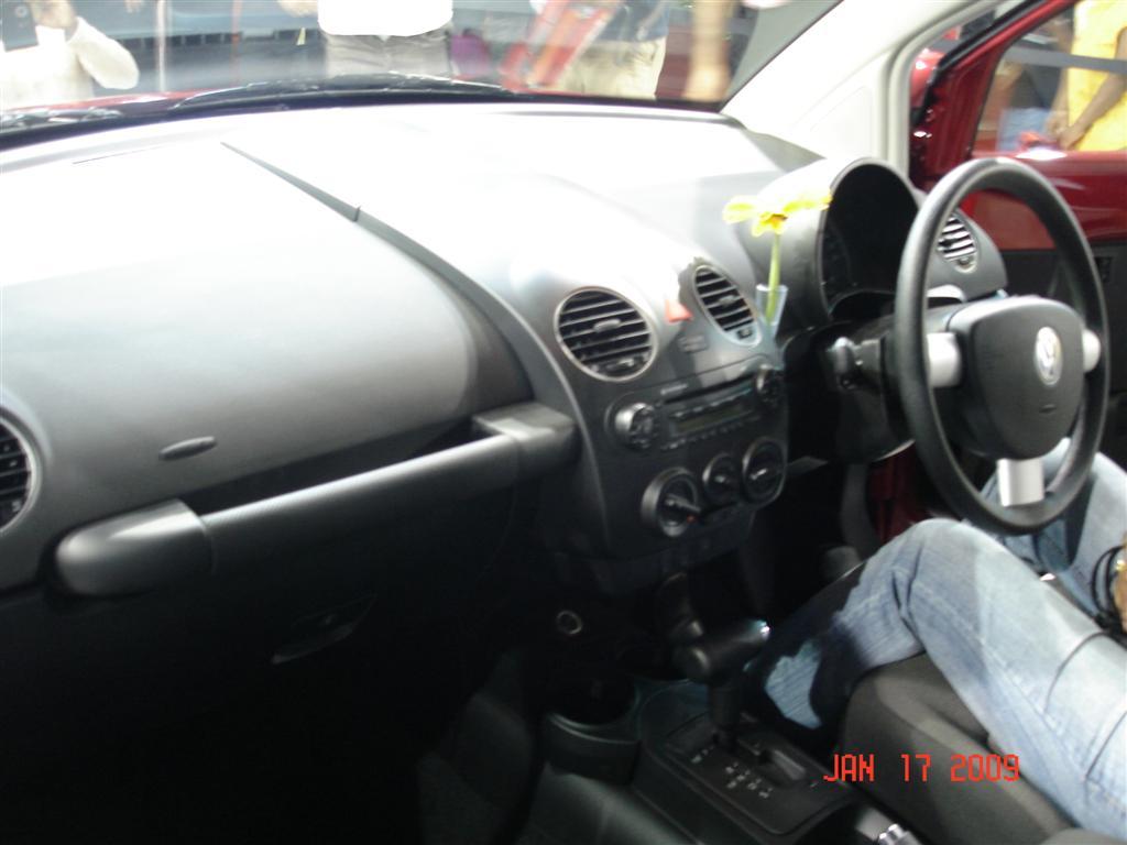 mumbai-international-motors-show-2009-vw-beetle-2