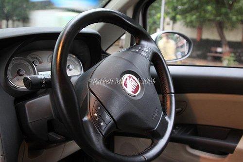 Fiat_steering_wheel