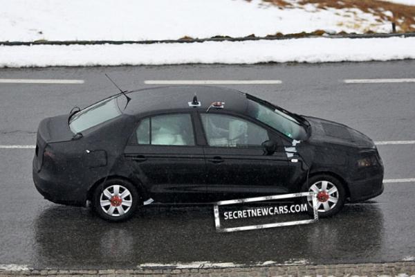 VW_Polo_Sedan- 3