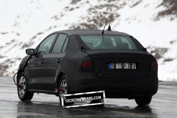 VW_Polo_Sedan- 5