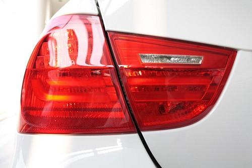 BMW_330i_tail_lamp