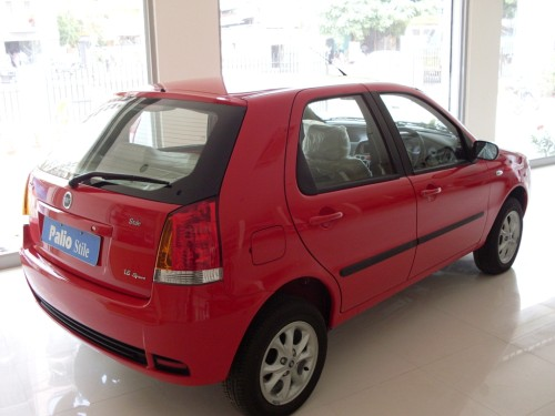 Fiat_Palio_red_sport