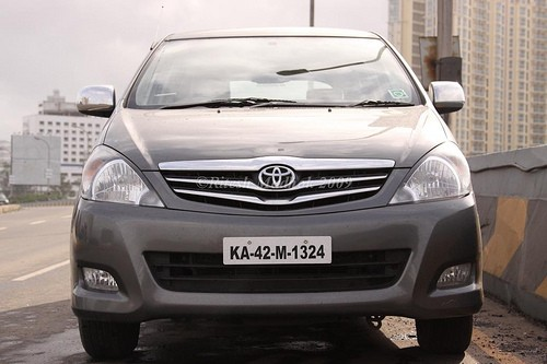 Toyota_Innova_diesel