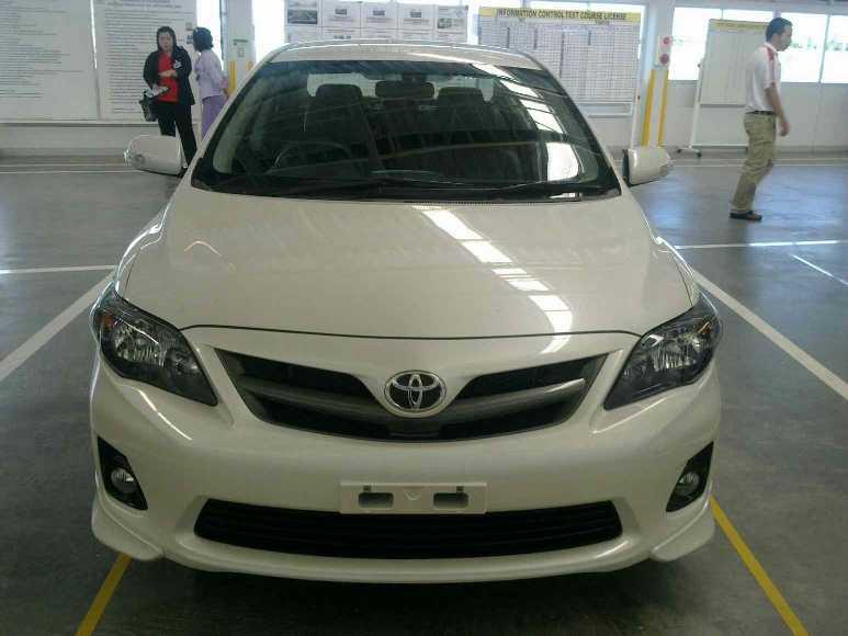 Facelifted Toyota Corolla Altis thailand