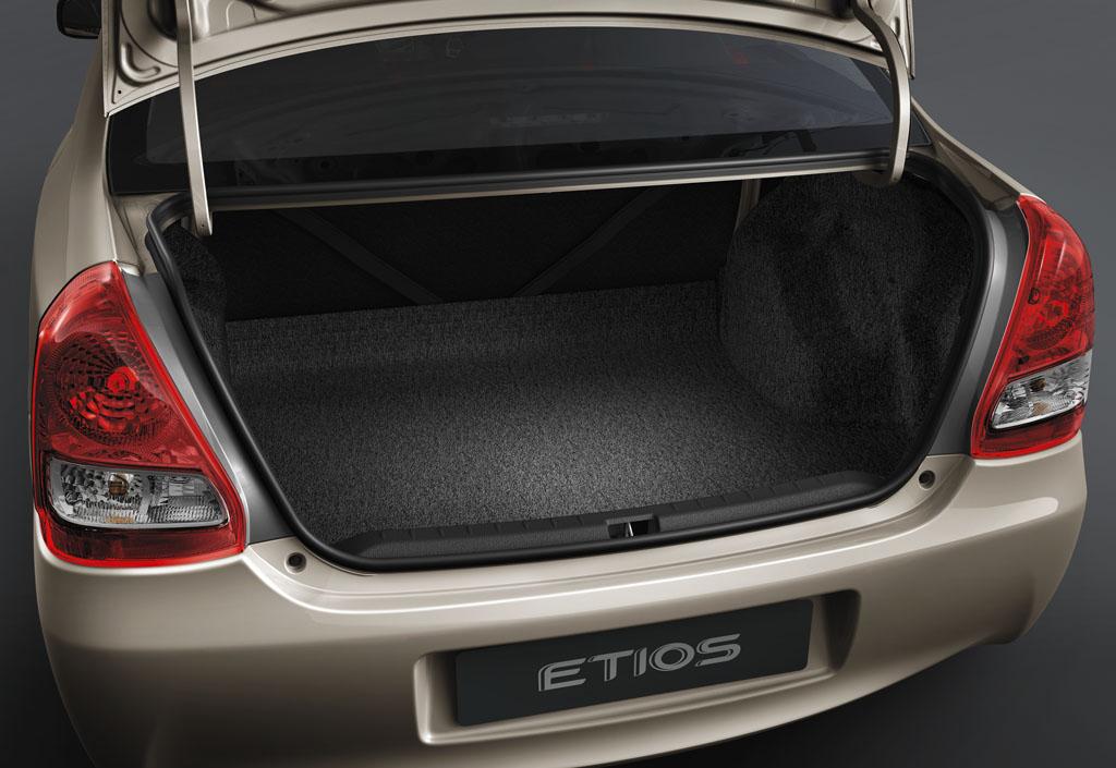 Toyota Etios - 5
