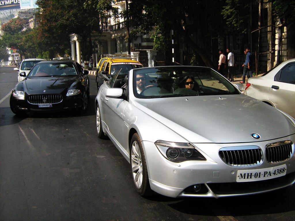 Mumbai Parx Supercar Parade 2011 (65)