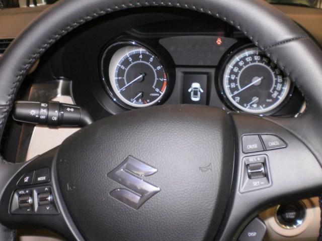Suzuki Kizashi India dials