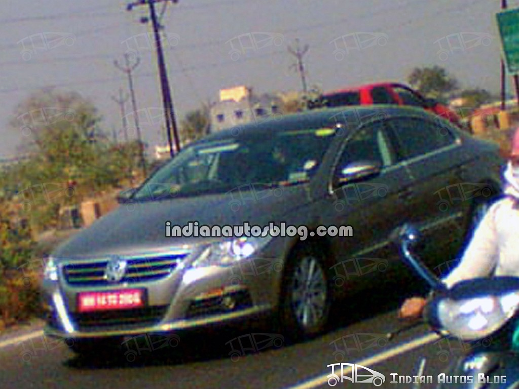 spied vw passat cc in pune. Black Bedroom Furniture Sets. Home Design Ideas