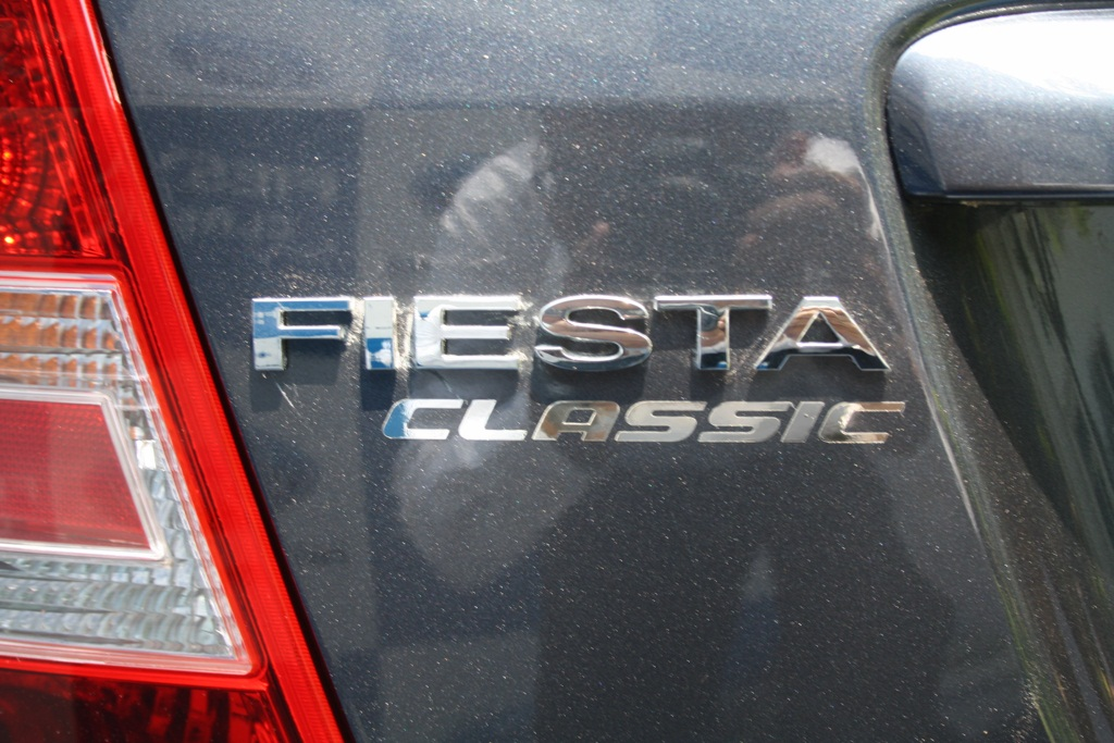 Ford Fiesta Classic badge