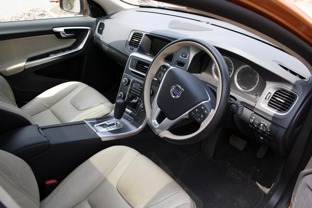 Volvo_S60_T6