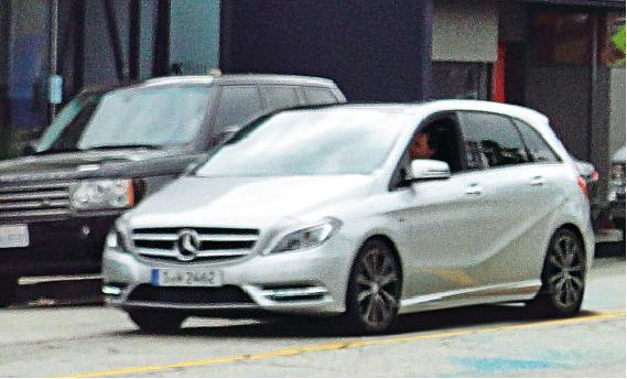 2012 Mercedes Benz B-Class front right