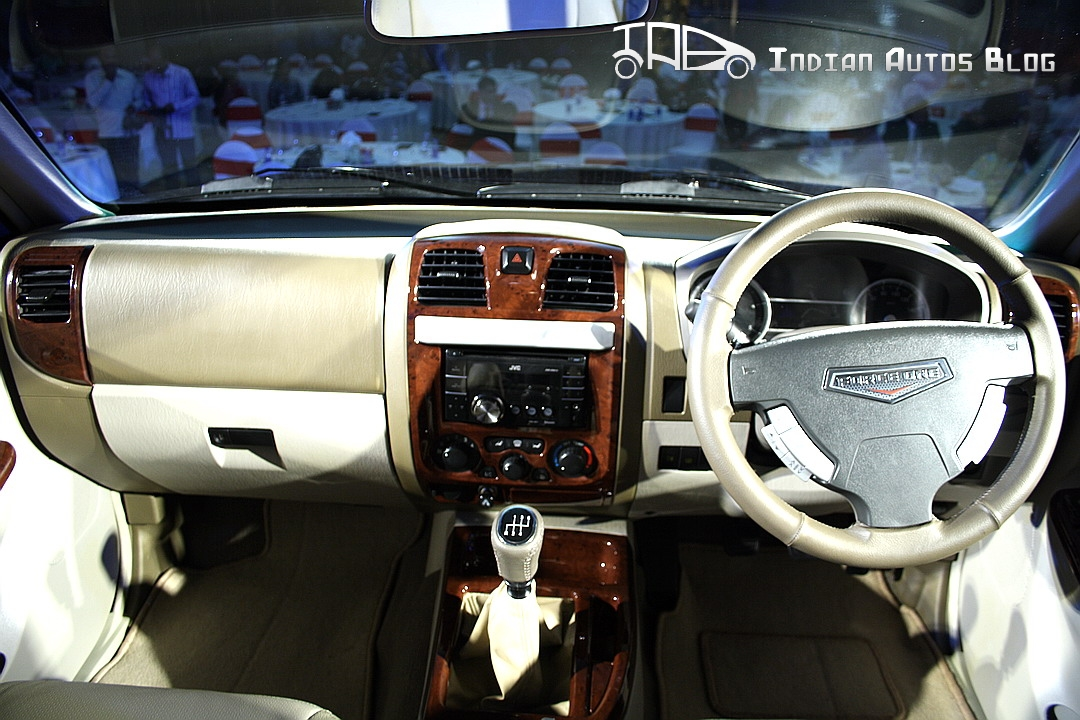 force motors one first in depth look at the suv rh indianautosblog com force one car interior pictures