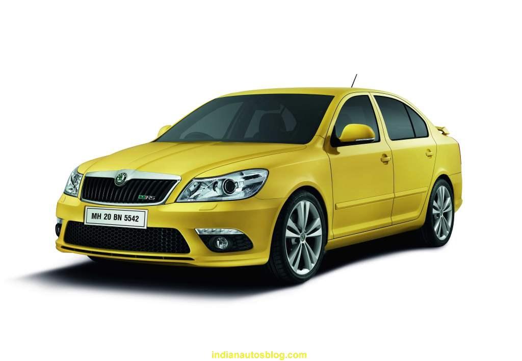 Skoda Laura RS yellow