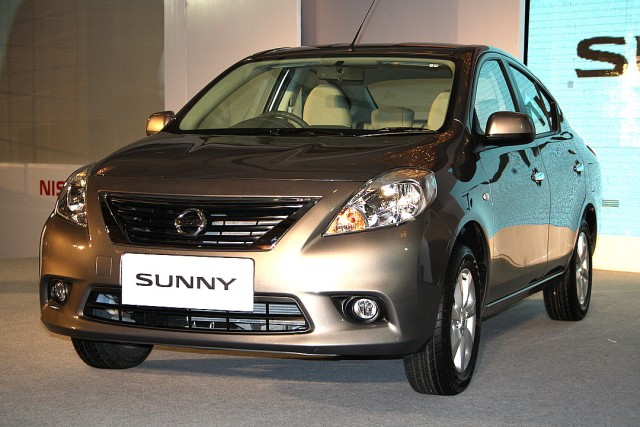 Nissan Sunny brown