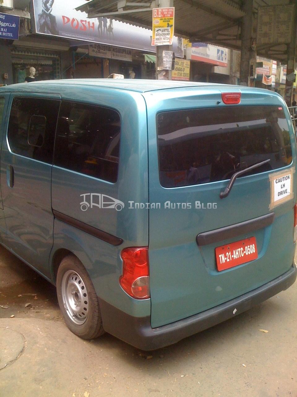 Nissan NV200 rear