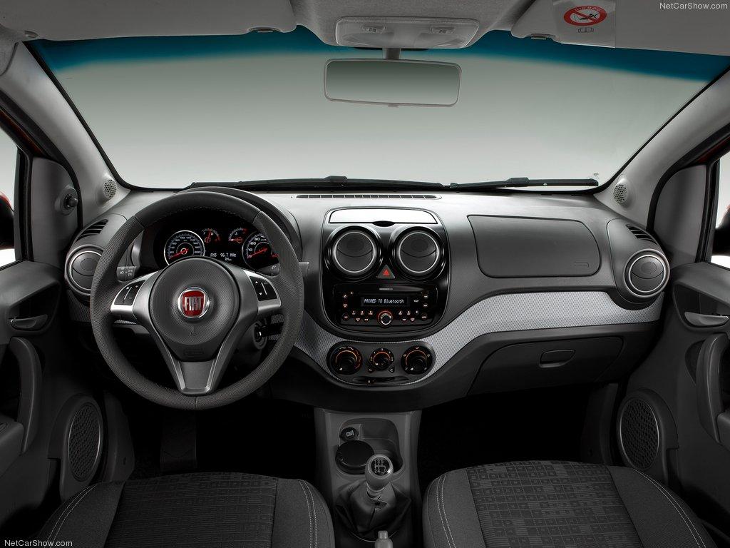 2012 Fiat Palio interior