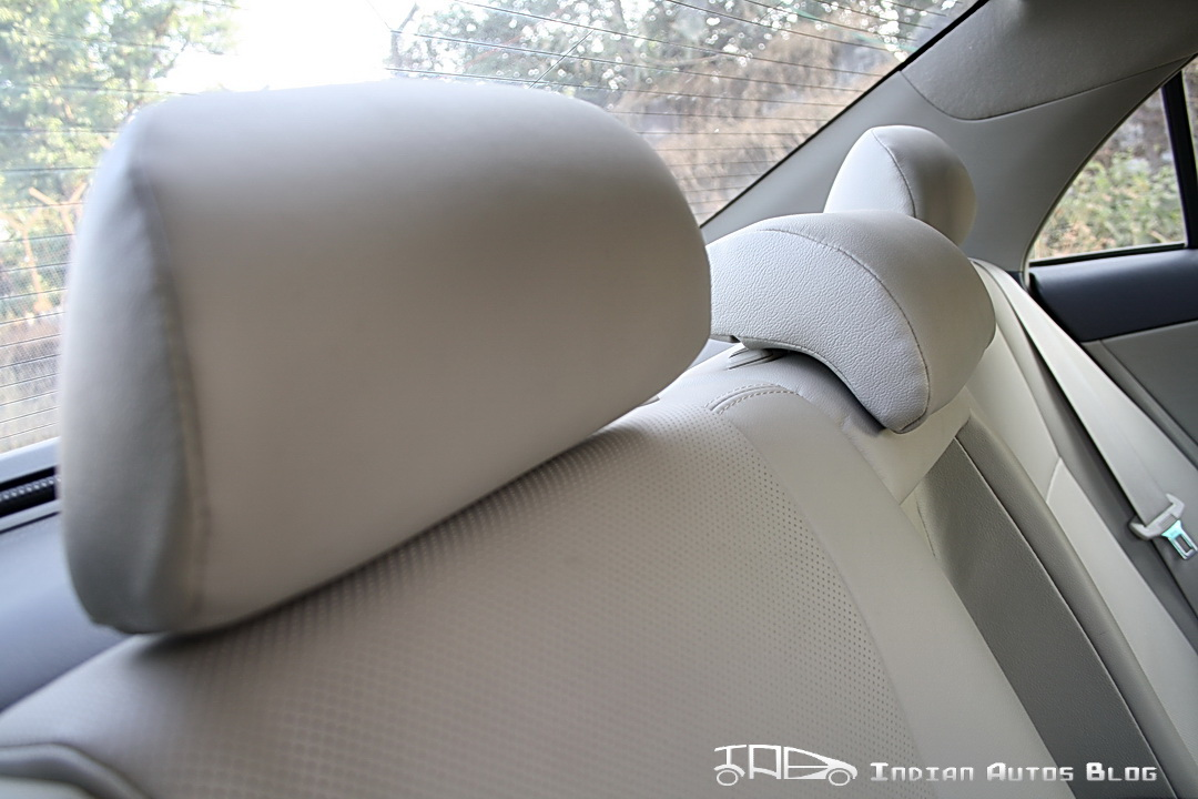 Facelifted Toyota Corolla Altis head rest