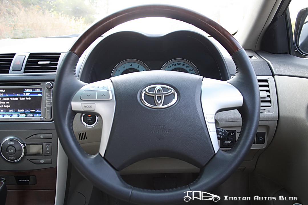 Facelifted Toyota Corolla Altis steering wheel