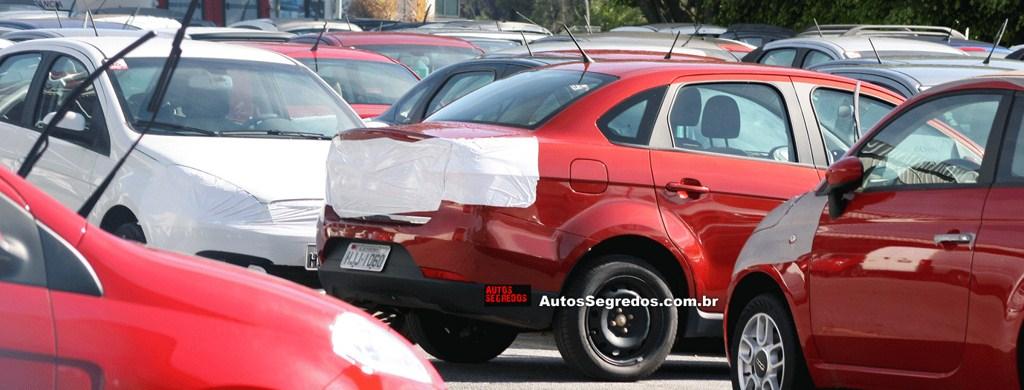 2013 Fiat Siena rear view