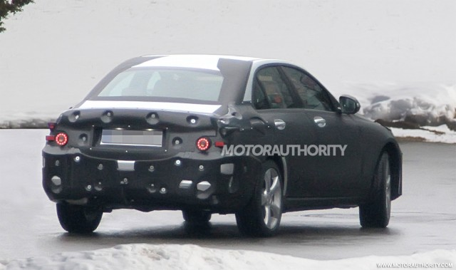 2014 mercedes benz c class rear spy-shot