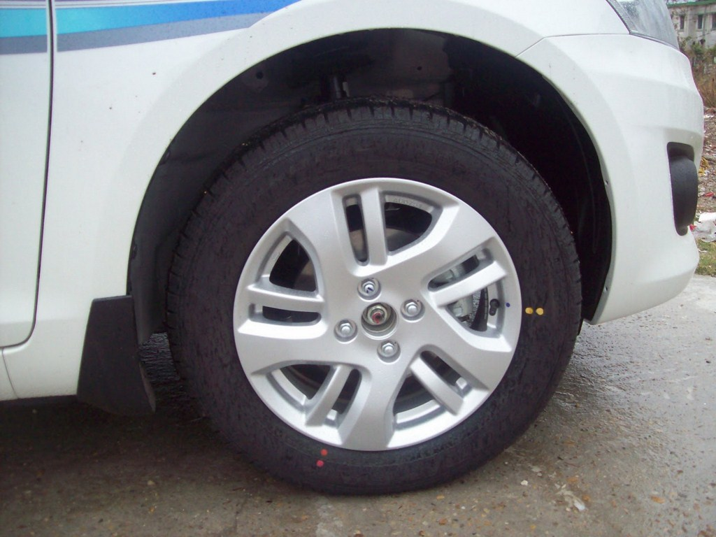 Maruti Swift Dzire 2012 wheel