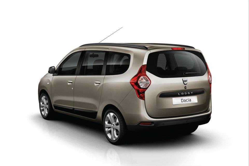 Dacia Lodgy rear three quarters