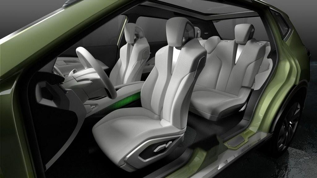Nissan Hi-Cross Concept Geneva Motor Show interior
