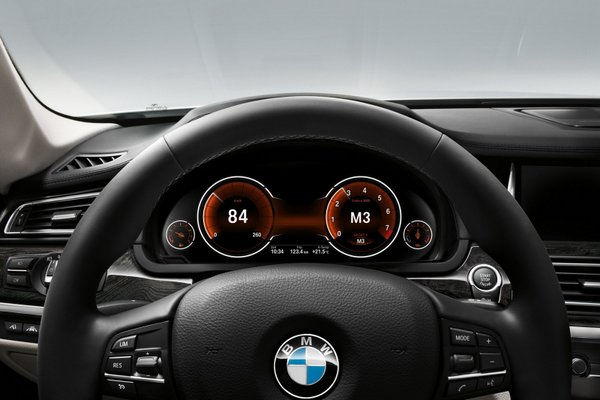 2013 BMW 7 Series features-5
