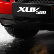 Mahindra XUV500 on the number plate