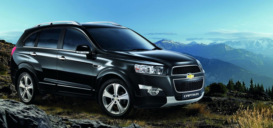 Chevrolet Captiva facelift Malaysia front three-quarters
