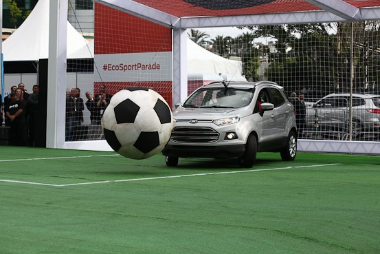 Ford EcoSport plays football in South America (3)