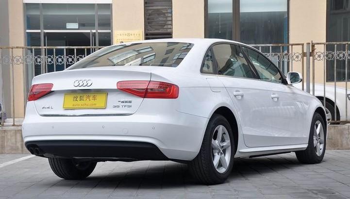 Audi A4L rear