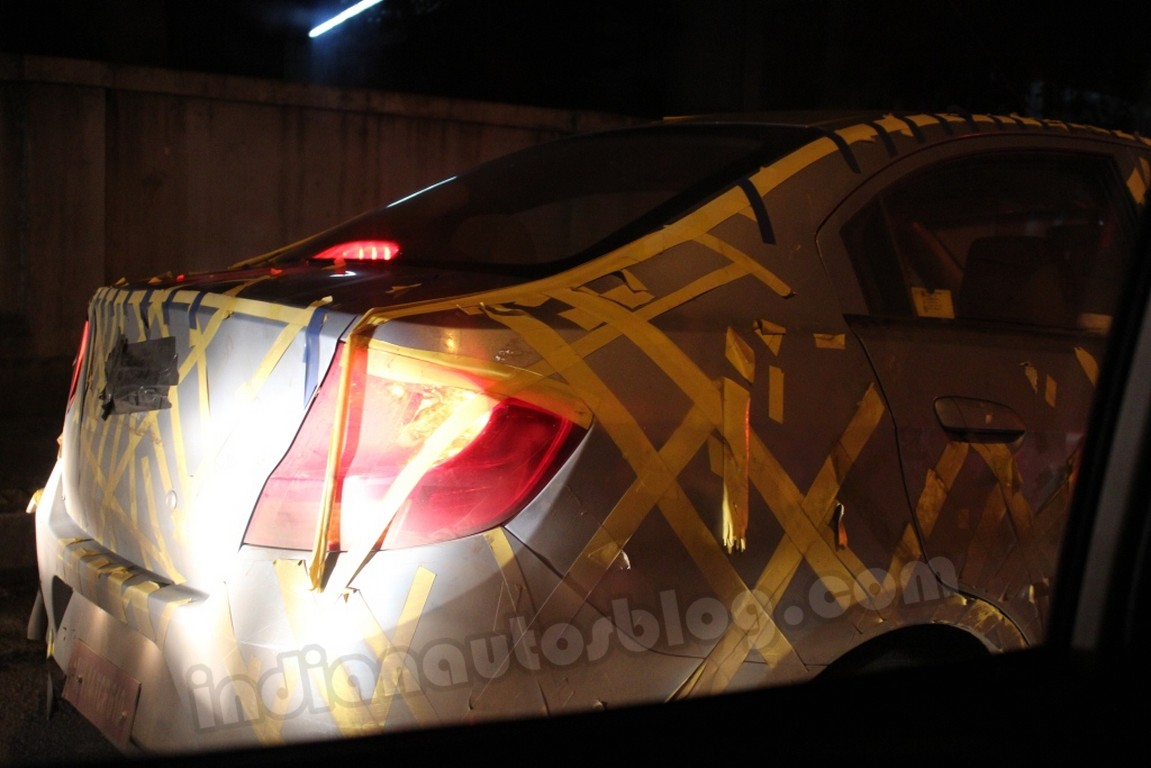 Chevrolet Sail sedan spyshot (3)