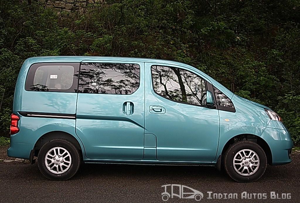 Nissan Evalia side