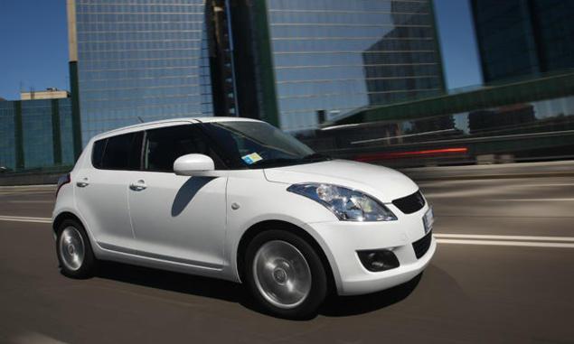 Suzuki-Swift-Navi-Style - front three quarters