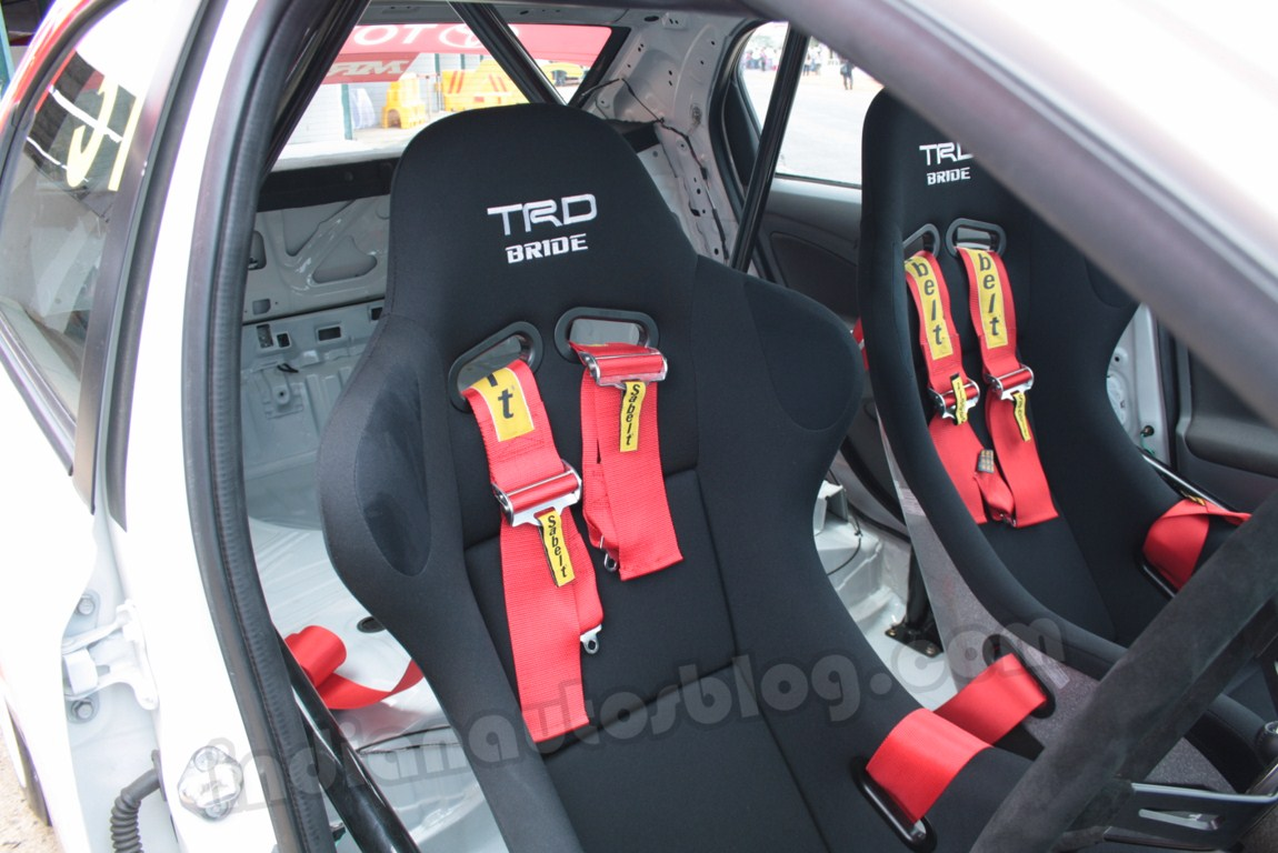 Toyota EMR car racing seats