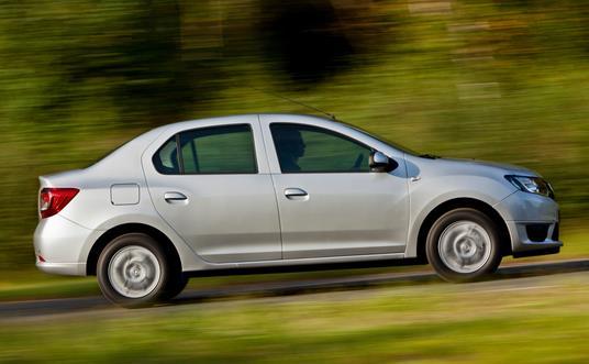 2013 Renault Logan side profile