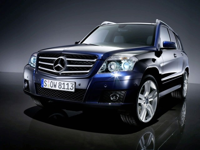 Mercedes Benz GLK Class front three quarters