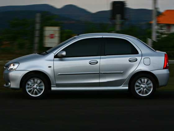Toyota Etios CS