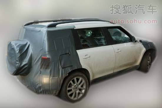 2014 Skoda Yeti facelift for China with spare mounted on the tailgate