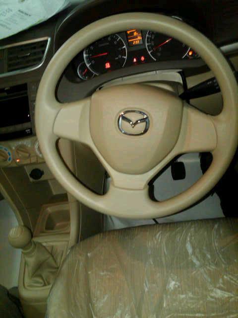 Mazda VX-1 interior