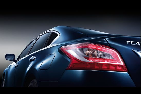Official - New Nissan Teana partially revealed in China