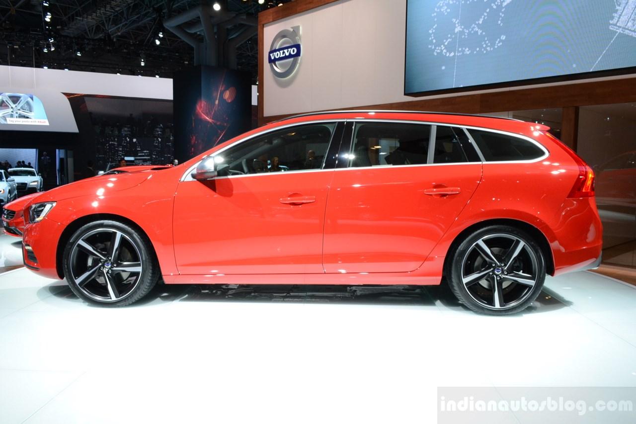2014 Volvo 2014 Volvo V60 R-Design front quarter60 R-Design side