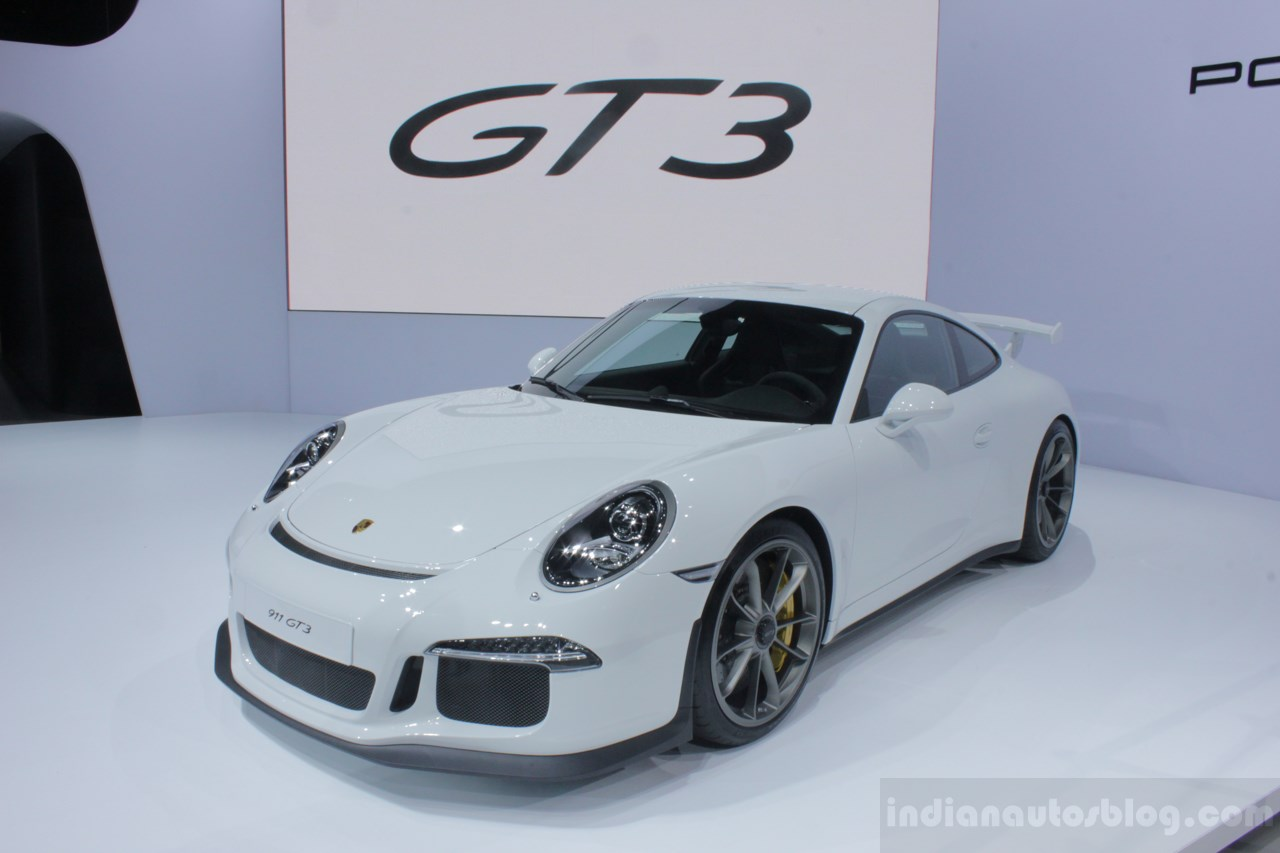 2014 Porsche 911 GT3 is a track-ready road car