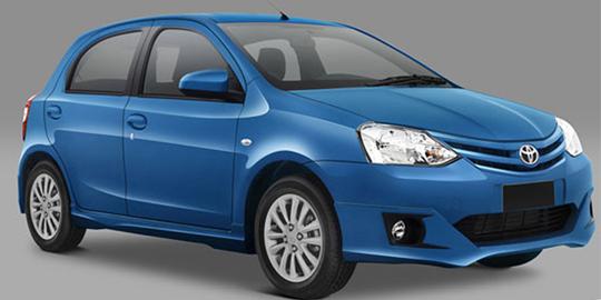 Toyota Etios Valco front