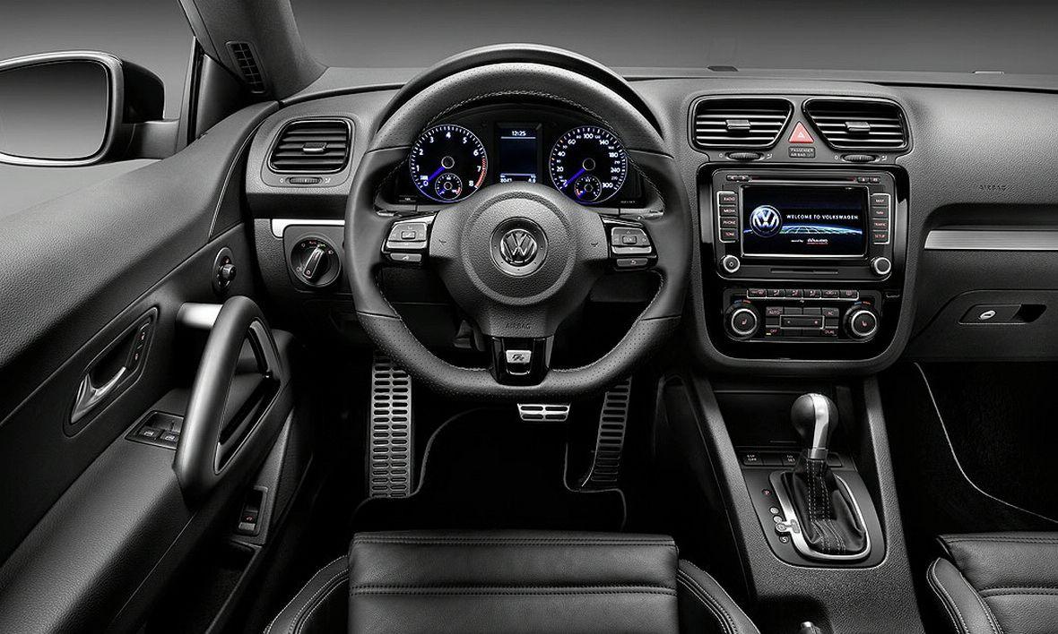 https://img.indianautosblog.com/2013/03/VW-Scirocco-dashboard.jpg